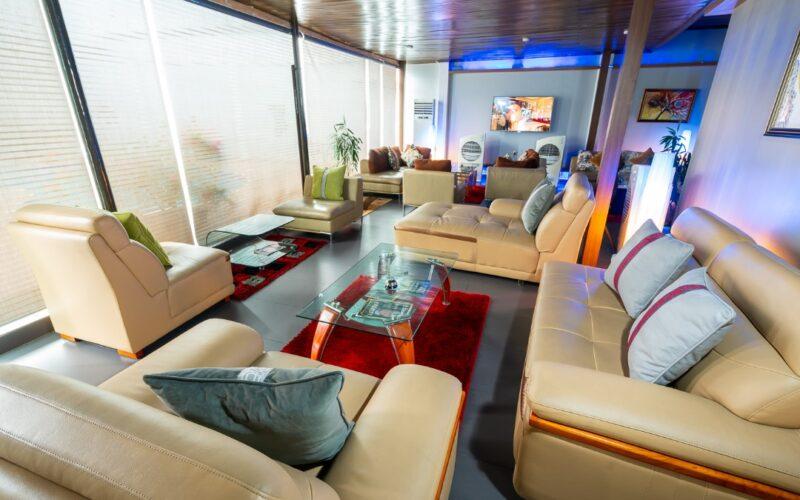 Tegbo (Elite Lounge)