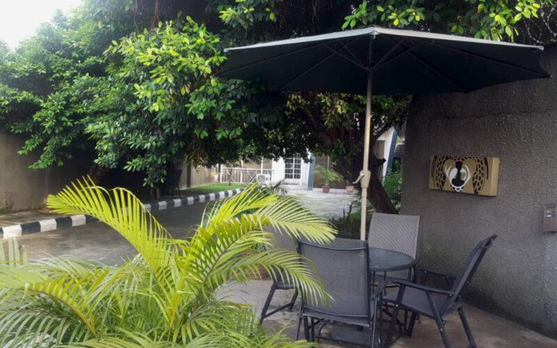 Faarah Coffe Lounge Entrance